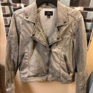 New Without Tags Large Lucky Brand Jean Jacket